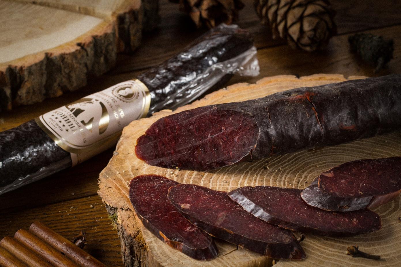 Колбаса махан из мяса Конины